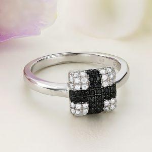 Inel argint Cruce cu pietre albe si negre - ICR0093