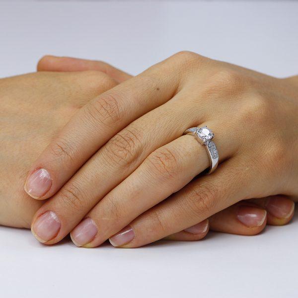 Inel de logodna argint Flower cu cristale laterale TRSR011, Corelle