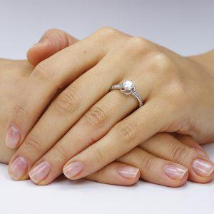 Inel de logodna argint Solitar cu cristale laterale mici TRSR033, Corelle