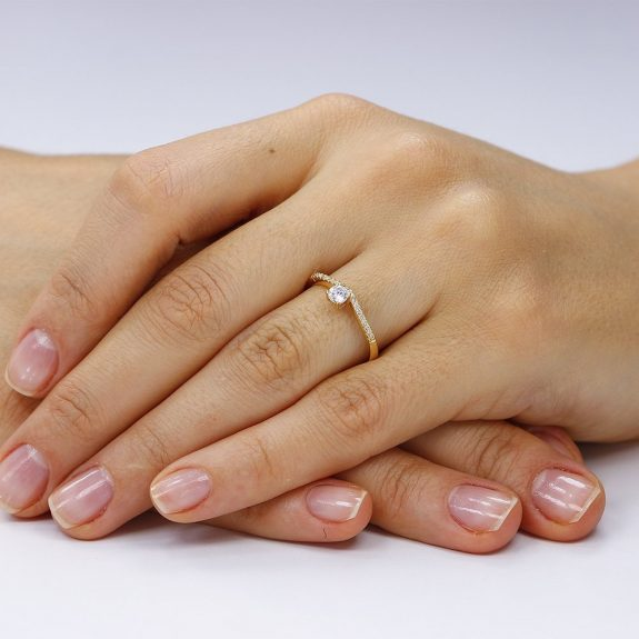 Inel de logodna argint Solitar cu cristale laterale mici TRSR119, Corelle